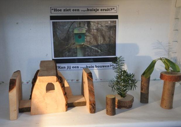 Peuter2 bouwen huisje (2)